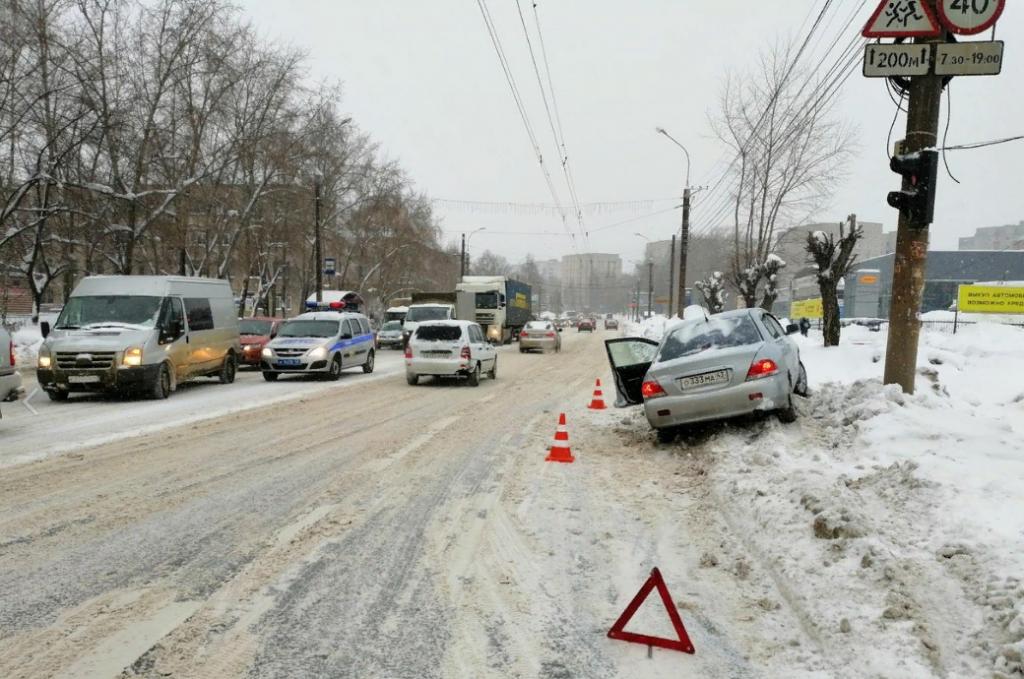 В Кирове за рулем машины умер глава Стрижей