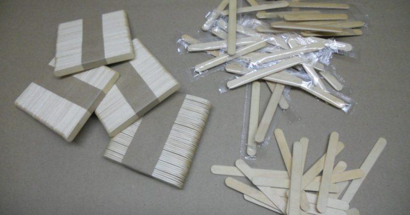 В колонии Кировской области освоили новый вид продукции - деревянные палочки для размешивания напитков