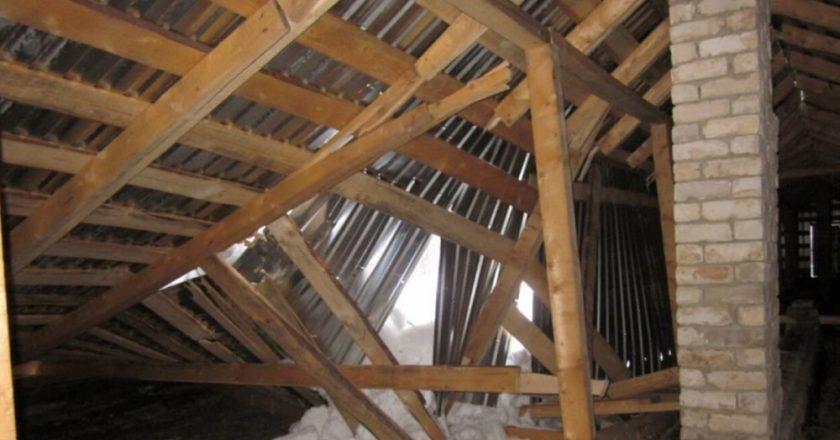 Обрушилась крыша