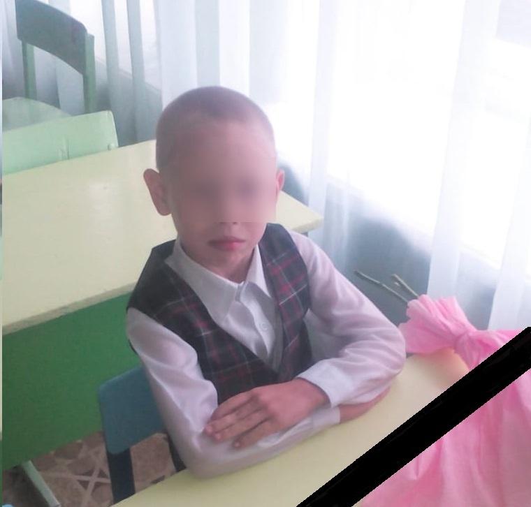 В Кировской области 9-летний мальчик погиб, занимаясь дома на турнике