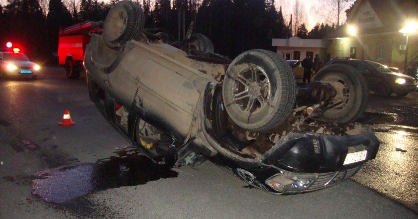 На трассе в Кировской области перевернулся пьяный водитель «Ниссана»