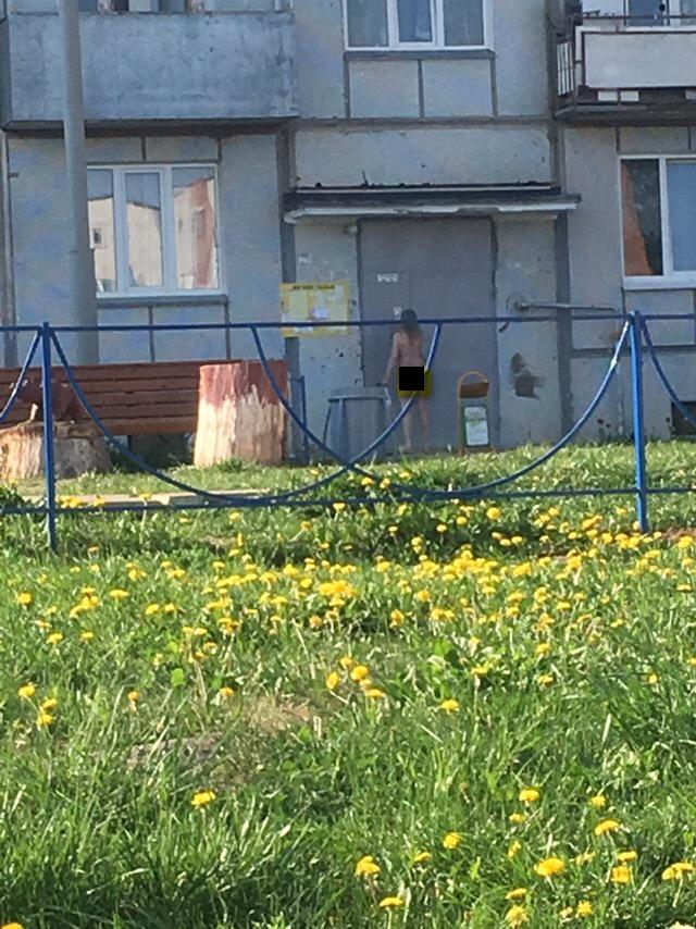 По Кирово-Чепецку прогулялась голая девушка