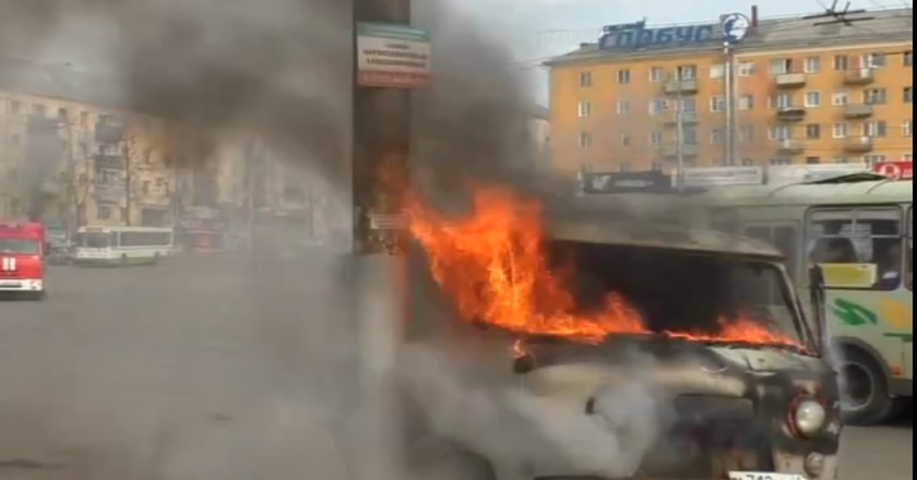 В Кирове у вокзала загорелся уаз