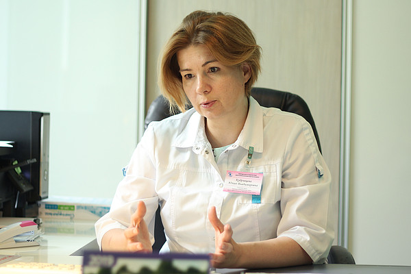 Главный врач кировской офтальмологической больницы, доктор медицинских наук Юлия Кудрявцева, которая проводила хирургическое вмешательство.