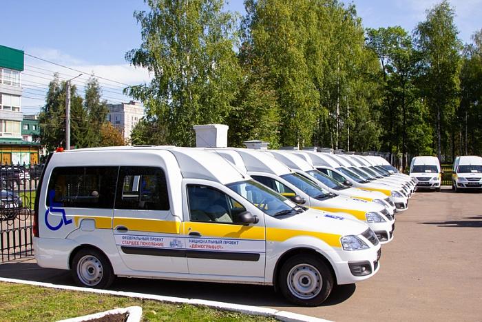 Благодаря мультидисциплинарным бригадам помощь пожилым гражданам и инвалидам в Кировской области становится более доступной