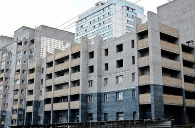 В Кирове возобновили строительство проблемного дома