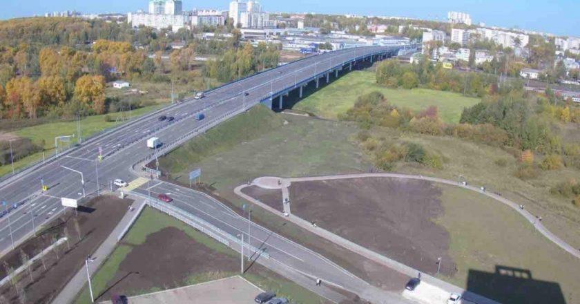 Рядом с новой дорогой по улице Ивана Попова строится 2 «дублёра»