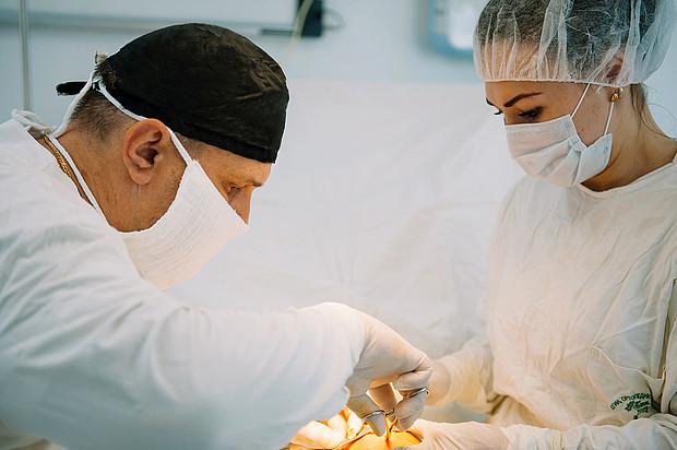 Кировские врачи избавили женщину от постоянной боли в ноге при помощи новой методики