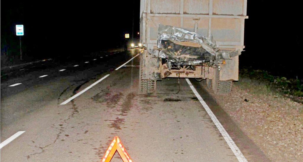 В Кумёнском районе «Лексус» врезался в трактор: один человек погиб