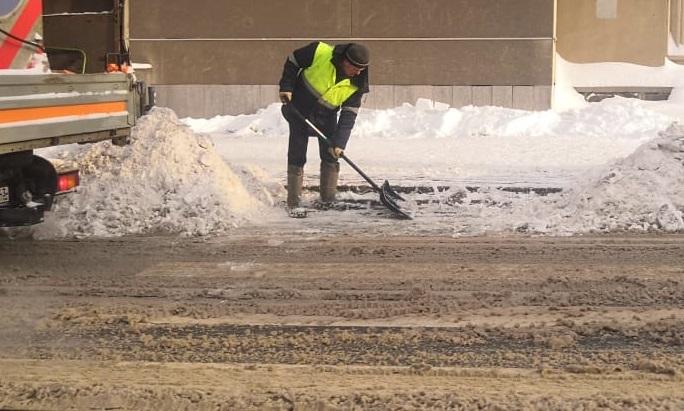 На работу в первый снегопад было выведено 80 единиц техники в Кирове