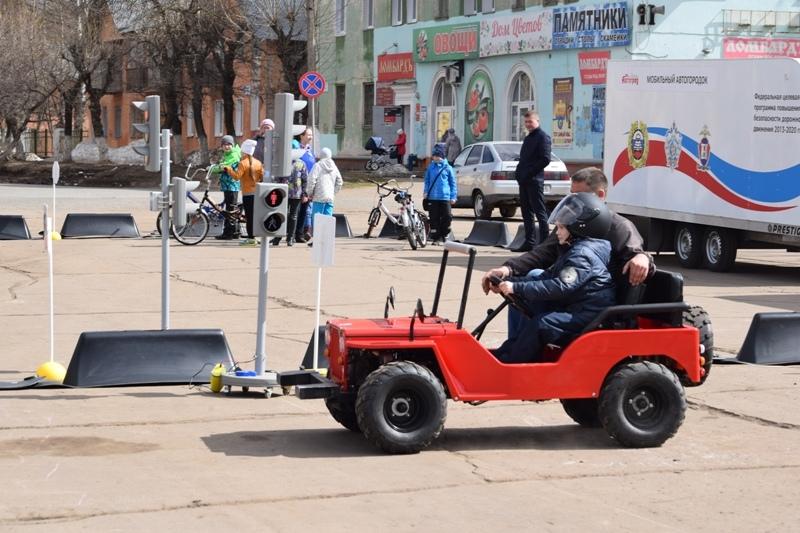 Руководитель кировской Госавтоинспекции предложил создать региональный Центр по профилактике детского травматизма на дороге