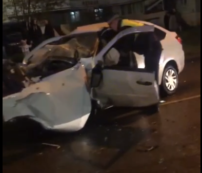 В Кирове водитель вылетел через лобовое стекло