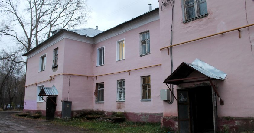 Двухэтажный дом на Северо-Садовой атаковали полчища комаров