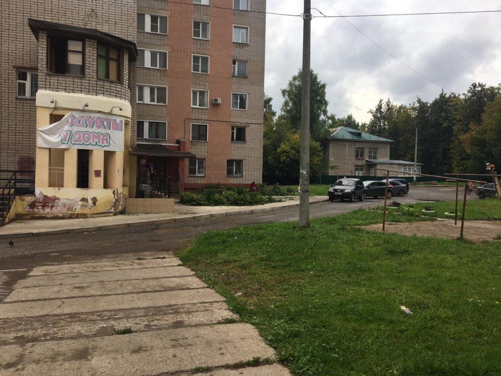 В Кирове азербайджанца не выпустили на родину из-за сигарет