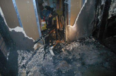 В Кирове сгорел подъезд многоэтажки