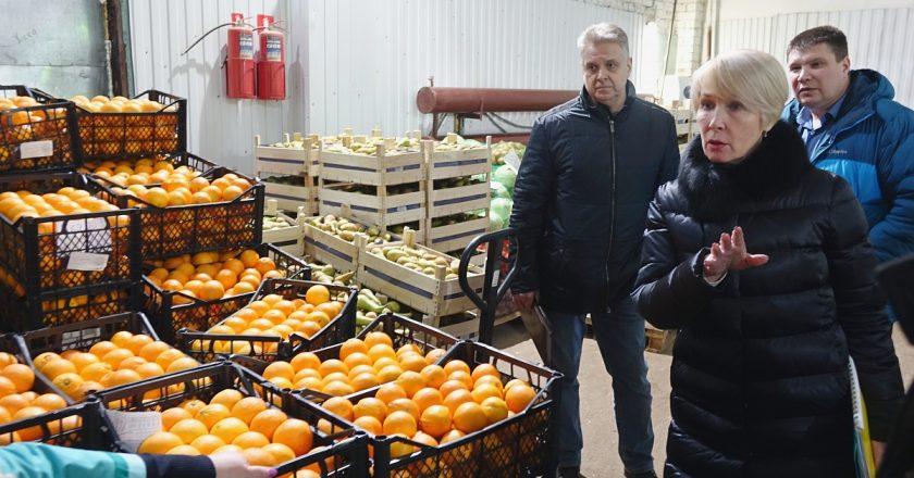 Глава города и депутаты проверили работу комбината питания