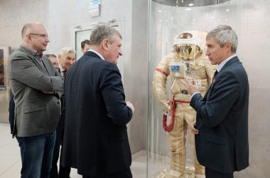 Игорь Васильев встретился с легендарным космонавтом Сергеем Крикалёвым