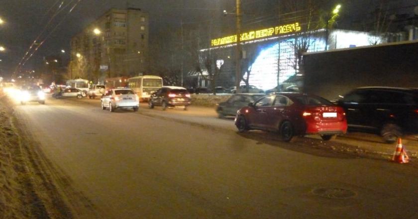 В Кирове в ДТП пострадала пассажирка легковушки