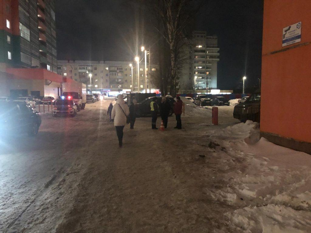 В Кирове неизвестный водитель сбил женщину и уехал