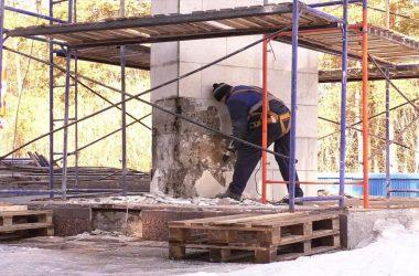 В Кирове начались работы по благоустройству мемориалов