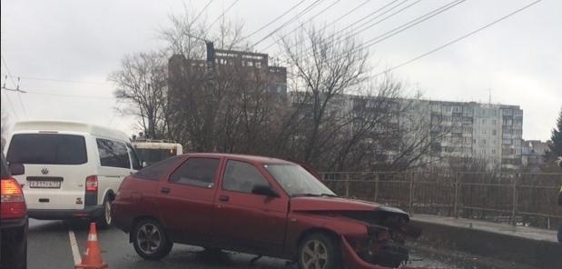 В Кирове на Щорса столкнулись четыре автомобиля