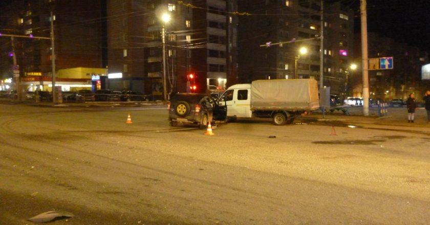 В Кирове в ДТП пострадали два человека