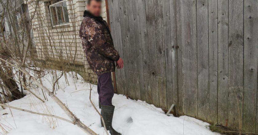 В Кировской области мужчина изрезал подростка ножом