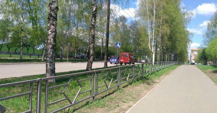 В администрации Кирове ответили на претензии о серых заборах