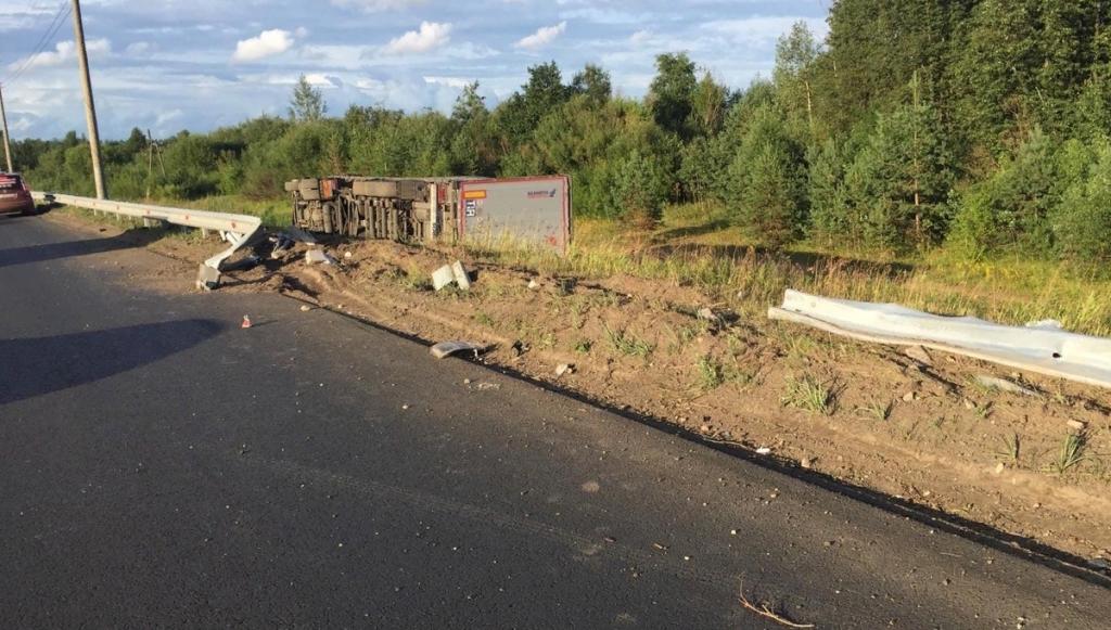 В Кирове в дтп пострадал водитель фуры