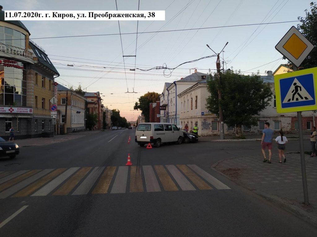За выходные дни, с 10 по 12 июля, на территории Кировской области произошло 16 ДТП, в которых 29 человек получили травмы, в том числе 9 несовершеннолетних