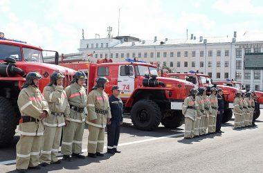 Четыре новых автомобиля поступили на вооружение в пожарные части Кировской области