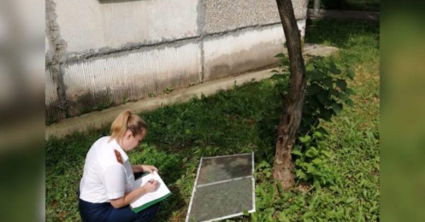 Полуторагодовалый ребенок выжил после падения с пятого этажа в Кирове