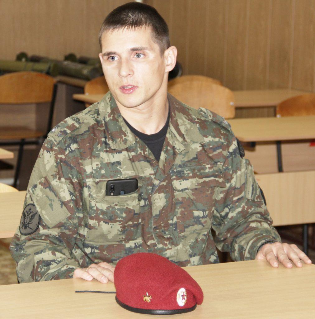 Сотрудник спецназа УФСИН России по Кировской области спас жизнь человеку