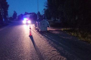 в 19 часов 48 минут в Юрьянском районе на улице Фестивальная, напротив дома №16 посёлка Мурыгино. По предварительным данным, неустановленный водитель, управляя неустановленным мотоциклом, совершил опрокидывание.