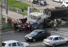 На Юго-Западе бензовоз протаранил машину с пенсионером