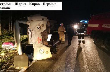 В Кировской области из-за лося опрокинулась машина скорой