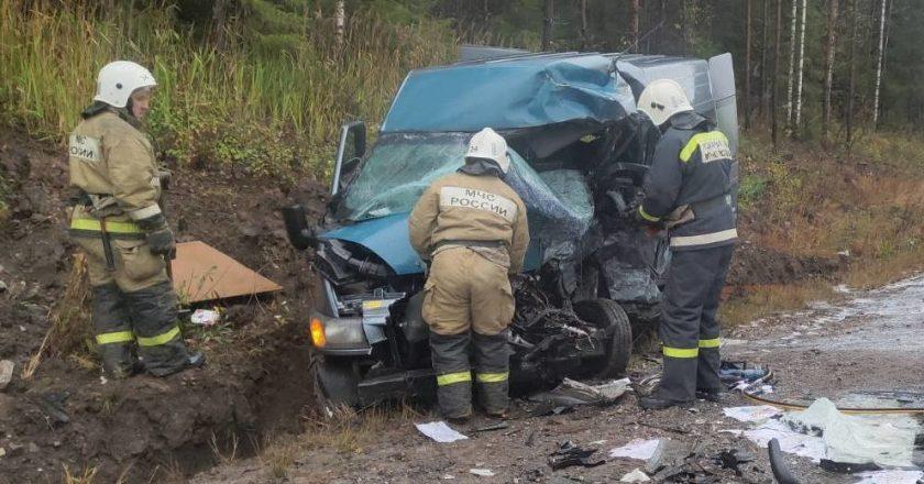 В ДТП в Кировской области погибли три человека, среди них ребёнок