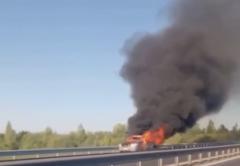 Новый мост стоит: на въезде в Киров сгорел автомобиль