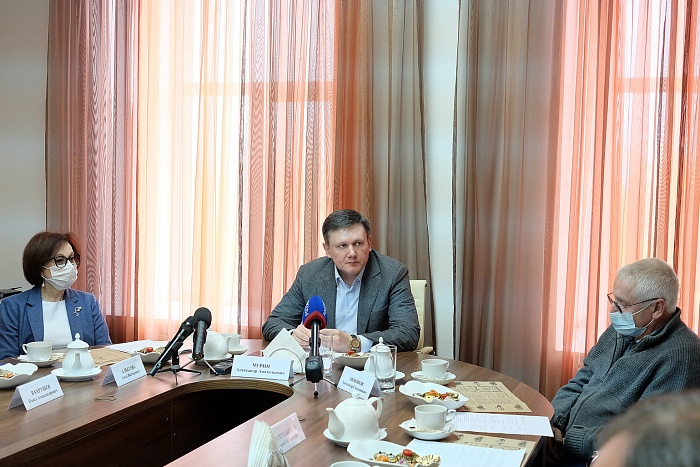 Александр Чурин обсудил с общественниками планы по развитию системы обращения с отходами