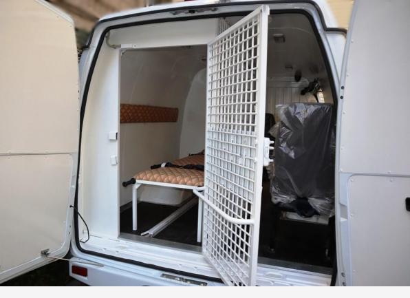 Автопарк ЛИУ-12 УФСИН России по Кировской области пополнился специальным автомобилем для перевозки больных осуждённых