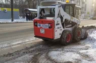 Кировским коммунальщикам указали на недостатки в уборке снега
