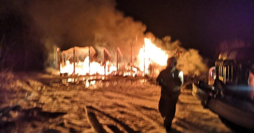В ночь на воскресенье в Фалёнском районе сгорел жилой дом. В результате погибли четыре человека. О происшествии сообщили в пресс-службе Следственного управления СКР по Кировской области.