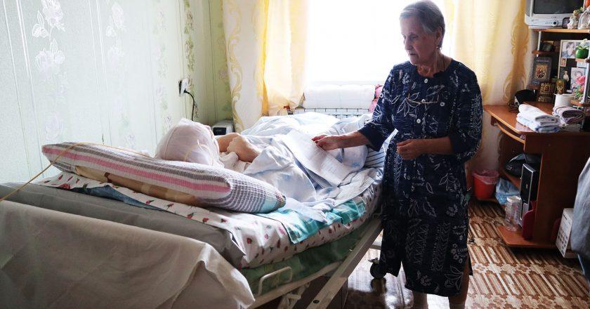 Кировские активисты ОНФ обратились в региональный минздрав с просьбой не лишать неизлечимого пациента бесплатного зондового питания