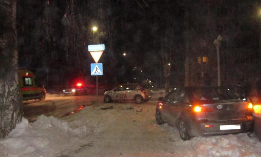 В Кирове в ДТП пострадали два пассажира Рено
